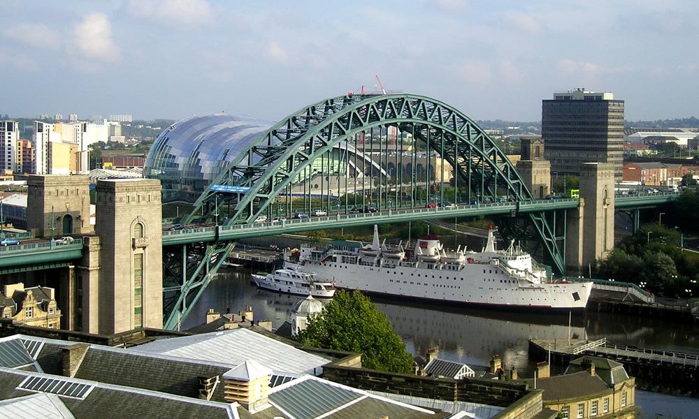 Tyne Bridge should be Restored to Former Glory