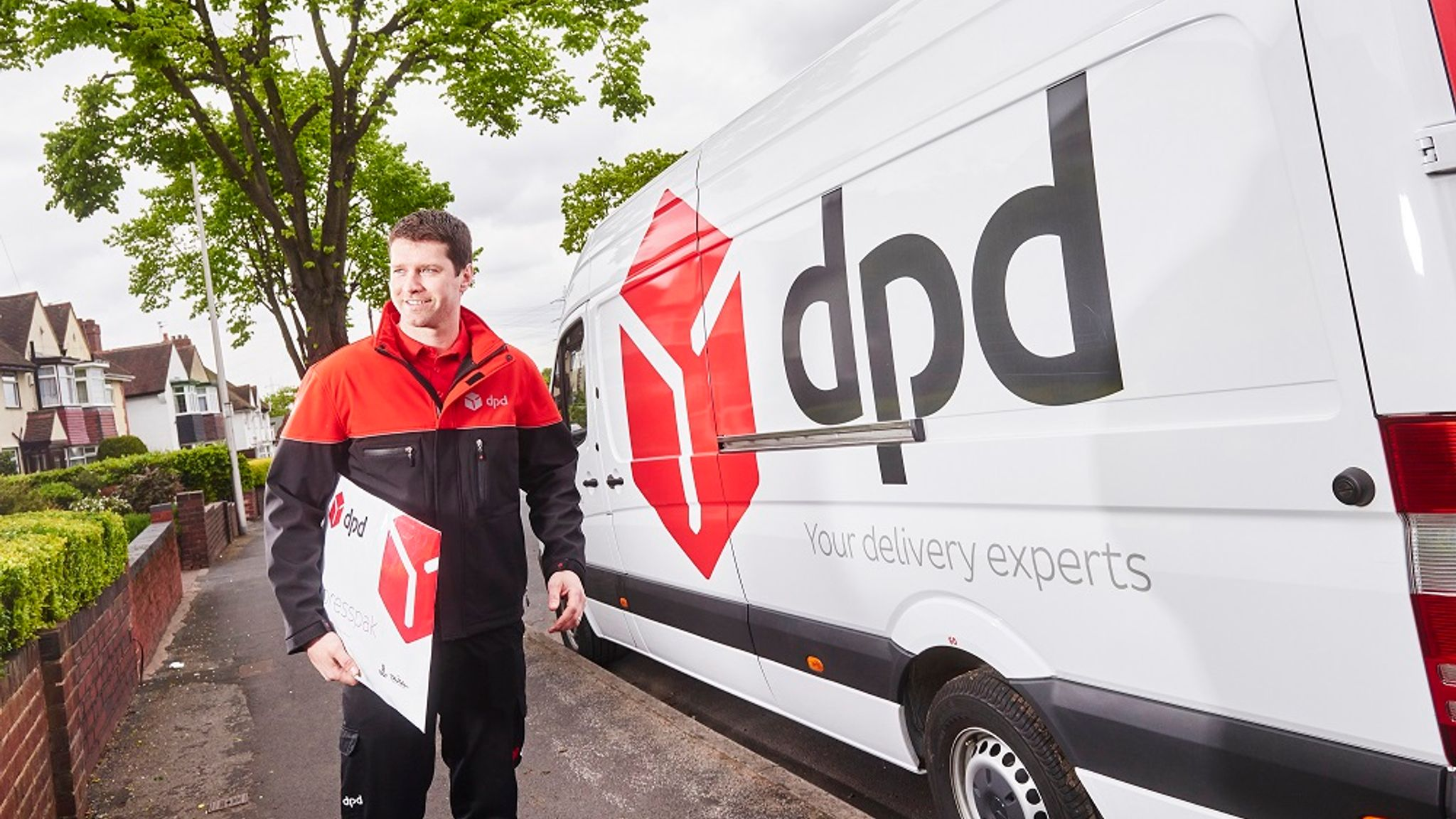 DPD & B&Q to Hire 7,500 as Demand Grows