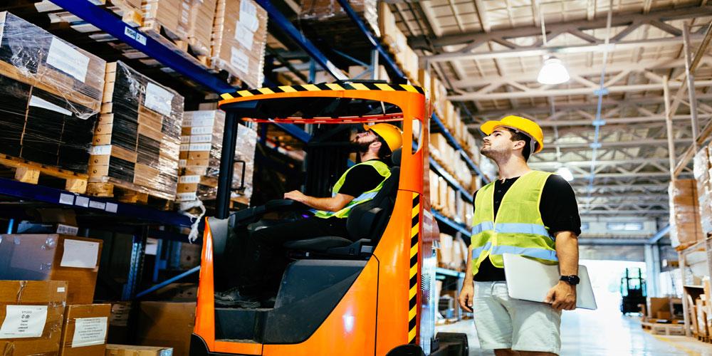 Amazon Offers Bonus for New UK Staff